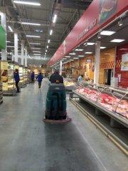 osveshhenie-seti-supermarketov-lenta-spb7.jpg